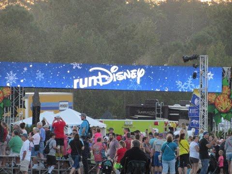 runDisney - Disney Jingle Jungle 5K Weekend!