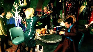 Download Green Day: ″Holiday″ - Video