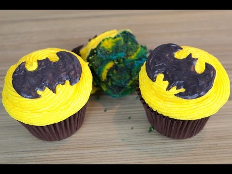 How To Make Batman Cupcakes | Easy Marbled Cupcake Recipe | CarlyToffle