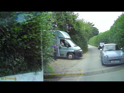Funny Woman Driver That Couldn't Reverse in a Straight Line
