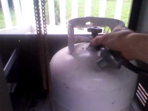 How to safely change propane tank on a barbecue