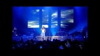 Download Laura Pausini - Tra Te e Il Mare (Live in Paris 05)