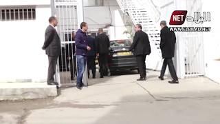 شاهدوا .. لحظة وصول سلال إلى مقر مديرية حملة الرئيس بوتفليقة