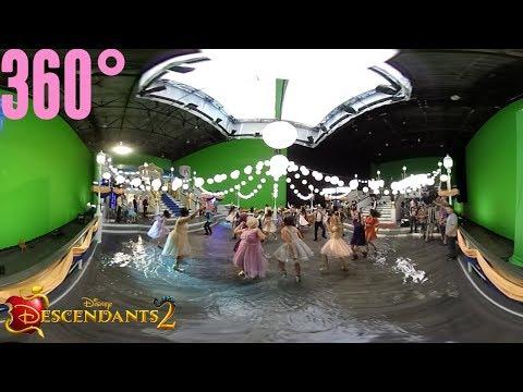 You and Me Part 2 BTS | 360° | Descendants 2