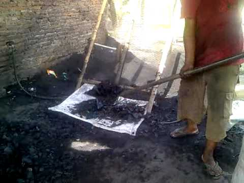 Coconut shell charcoal Natural Kiln System.mp4