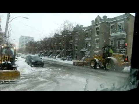 SNOWY MONTREAL CITY BUS RIDE - CHRISTMAS DAY
