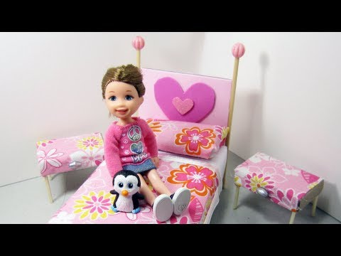 Make a bed and side tables from cardboard for your doll house - Doll Crafts - simplekidscrafts