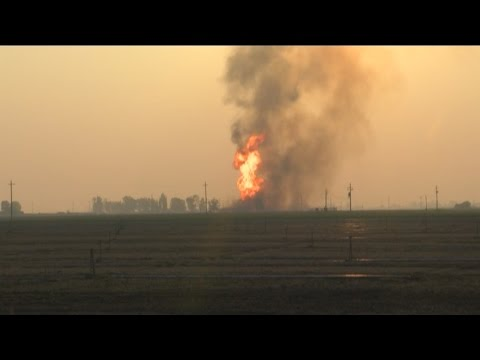 Gas leak causes massive fire in South Bakersfield