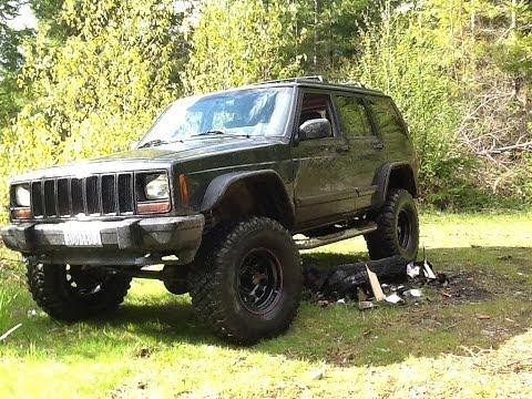 Jeep xj cherokee straight piped very loud!