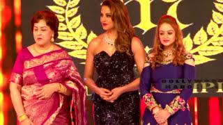 Hot Bipasha Basu's Hot Ramp Walk in Hot Dress!!!