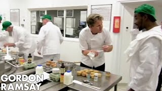 Dangerous Prisoners Making Cupcakes   Gordon Behind Bars