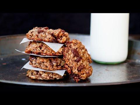 Oatmeal Banana Chocolate Breakfast Cookies - 4k video