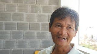 THE COOLEST MAN IN VIETNAM - Hoa's Place in Da Nang