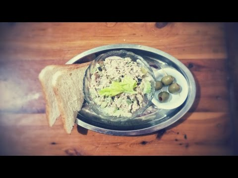 How to make a quick and delicious salmon/ tuna salad?