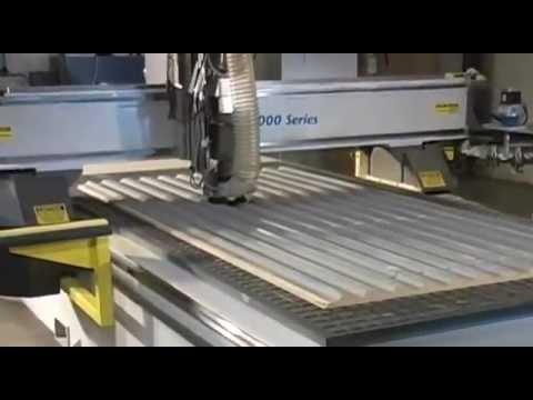 7000 Series CNC Router Cutting Corrugated Fiberglass