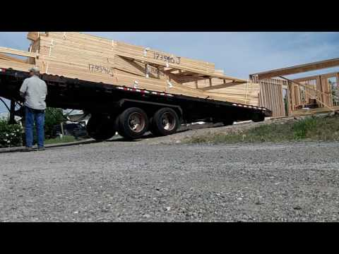 Unloading Roof trusses