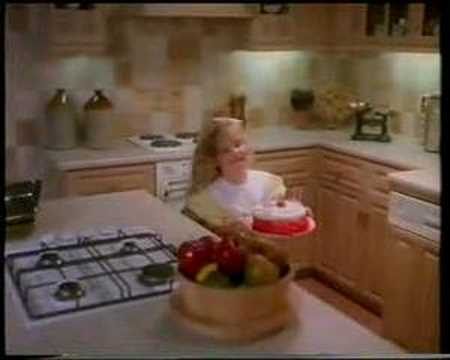 Magnet Kitchens advert Xmas 1993