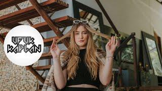 Download Ufuk Kaplan & Nur Anadol - Sen Misin? Video