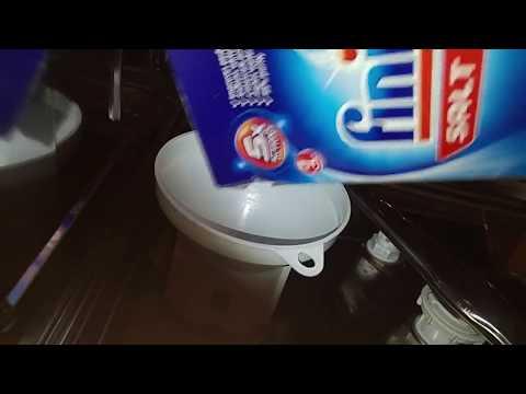 Indesit dishwasher - Loading the salt