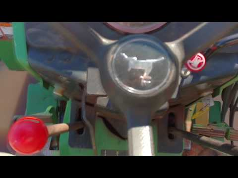 John Deere 2155 - How to lock both rear wheels.