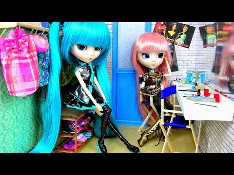 How to Make a Doll Backstage Dressing Room - Doll Crafts
