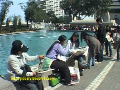 FILIPINO OFWs.(OVERSEAS WORKERS). SUNDAY, DAY OFF IN HONG KONG