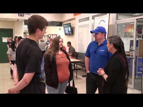 JMG Students Meet Employers at Career Fair