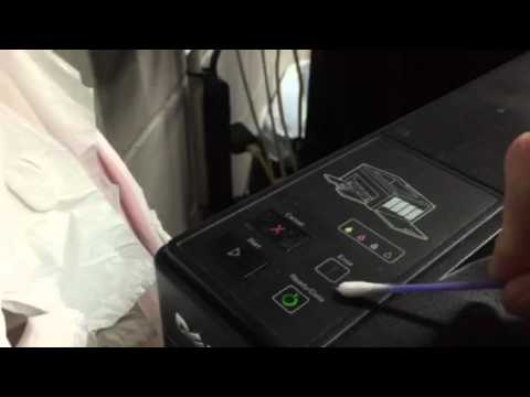 Dell laser printer 1250 c flashing error light