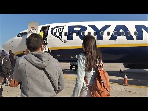 RYANAIR B737-800 Full Flight RHO-ATH | GoPro Engine View | Boarding to Landing!