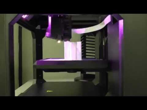 3D Printer in Action (Time-Lapse Print)