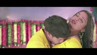 Hot kiss song from amrpali akshra singh and all .hot