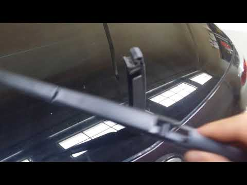 How to change the  rear  windshield  wiper blade on a Mazda CX7