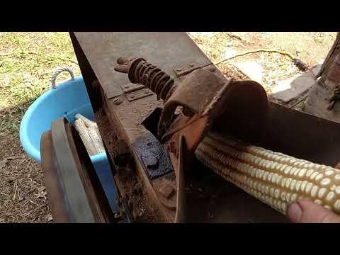 New Idea one hole corn sheller