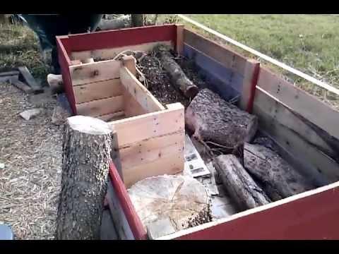 Hugelculture raised garden bed