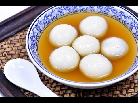 Black Sesame Dumplings in Ginger Tea (Thai Dessert) - บัวลอยน้ำขิง