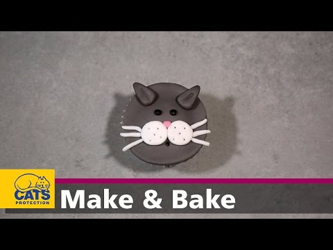 Cat face cupcakes – Kitty Bakes episode three