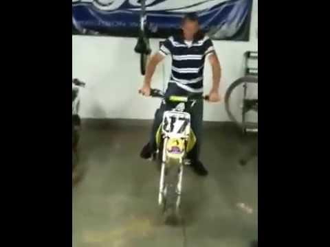 Lucu, Adegan Kocak Game Motocross