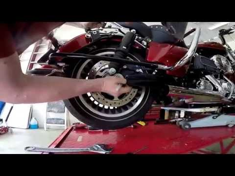 Changing Harley Road King tires by hand