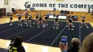 Reed-Custer Comet Cheerleaders halftime performance