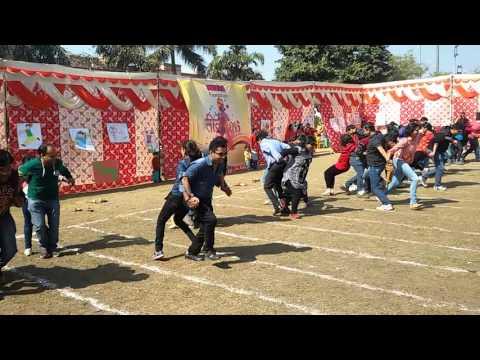 Parents race : Kidzee sports day