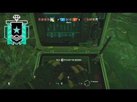 1 HP Clutch - Xbox Diamond (Ranked Highlights) - Rainbow Six Siege Gameplay