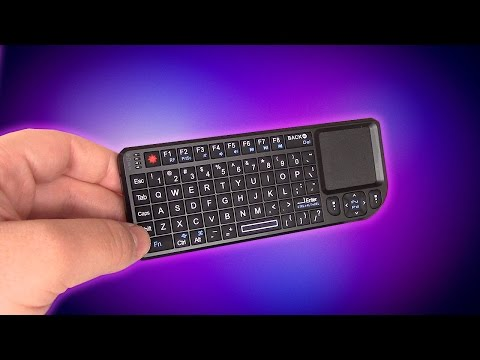 Trying To Game With The World's Smallest Keyboard / Mouse