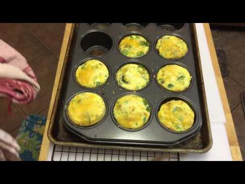 Crustless quiche in muffin tin