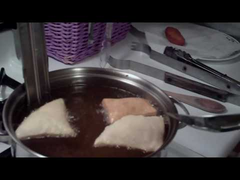 How to make Sopaipilla  (Mexican dessert with Honey)