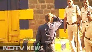 Sanjay Dutt walks out of Pune