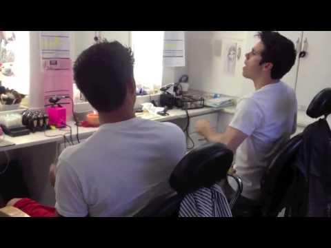 Tyler Posey e Dylan O'Brien se divertem cantando - BTS 4ª temporada