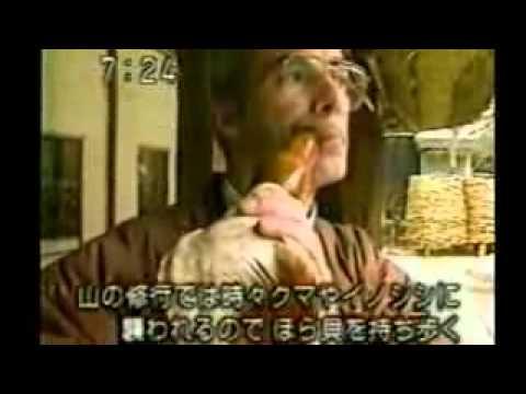 Making traditional japanese straw sandal