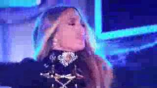 Download Jennifer Lopez and Gente de Zona singing live in Video