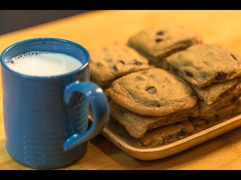 Best Chocolate Chip Cookies / Crispy outside, chewy inside!