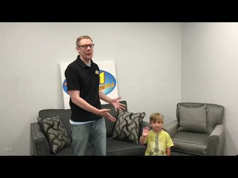 Viral Dancing Kid Gives Dance Lessons